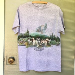 Vintage wildlife safari wolf pack shirt